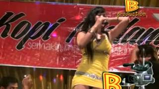 AKU BUKAN PILIHAN HATIMU - RESTY ANANTA (KOPI MALAM MUSIC)