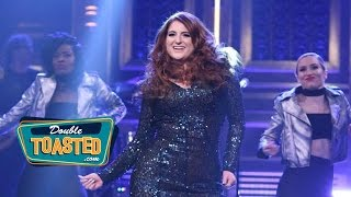 MEGHAN TRAINOR FALLS DURING JIMMY FALLON PERFORMANCE - Double Toasted Highlight