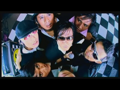 Download Tipe-X - Kamu Ngga Sendirian | Official Video On ELMELODI.CO