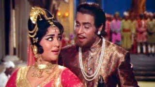 Kaise Samjhaoon Badi Nasamajh Ho - Vyjayanthimala Classic Dance Song - Suraj - Rajendra Kumar
