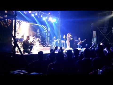 Neeti Mohan mtv unplugged live performance in indore on 21 january 2017