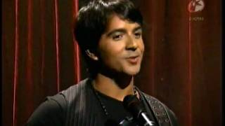 Luis Fonsi  Llena de amor EN VIVO video original