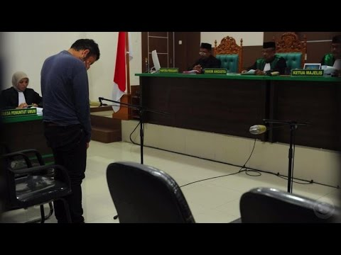 Xxx Mp4 Indonesian Court Sentences Gay Couple To Public Caning 3gp Sex