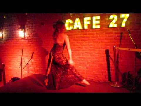 Justyna (Limah) @wedding party in India, 2017 - belly dance mejance impro
