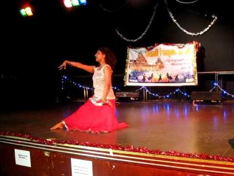 Dhivya akka dance radhe manathil tamil new year 2011