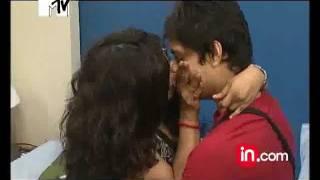 MTV Crunch: How To Kiss - Dhruvee-Manan kissing
