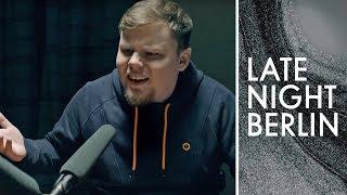 UNGEKÜRZT: Tanzverbot's komplette Vernehmung im Millennial-Tatort | Late Night Berlin | ProSieben