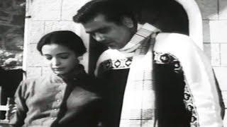 Sunil Dutt, Leela Naidu, Yeh Rastey Hain Pyar Ke - Romantic Scene 1/19