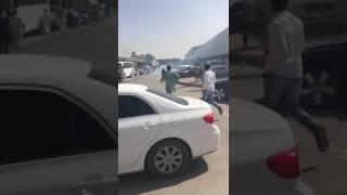 🔴مواطنون يحبطون سرقة شاص من معارض النسيم ظهر اليوم !!