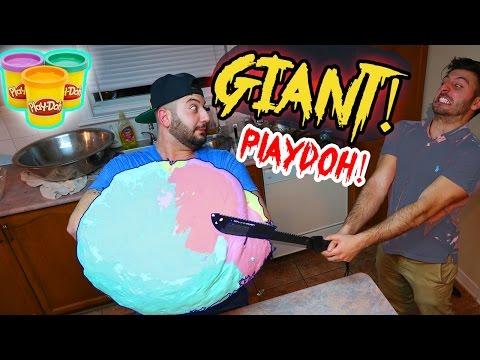 EXPERIMENT Glowing 1000 degree KATANA VS GIANT PLAYDOH BALL! (WORLD RECORD)