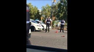 Atropello a un agente al no pararse en un control en la Avenida Diagonal