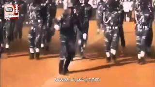 ترقية عسكري من عريف الى عقيد بعد عرض عسكري مميز