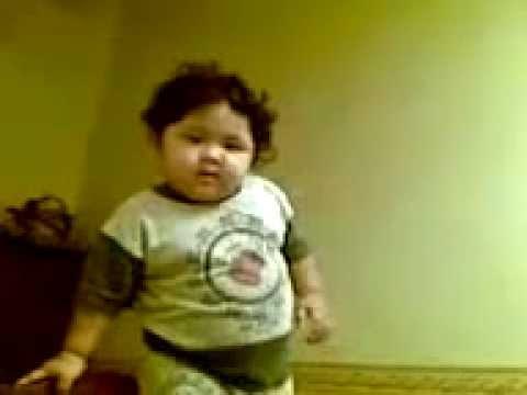VIDEO COMEL Budak Comel Marah Gambar Dirakam Sampai Terjatuh.mp4