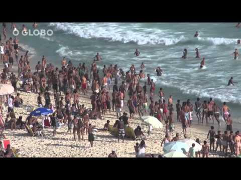 Rio feriado de sol praia violência e arrastões. 20 nov 2013