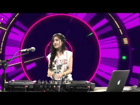 ดีเจฟ้าใส DJ Faahsai บน Garena TalkTalk 19 กรกฏาคม 56