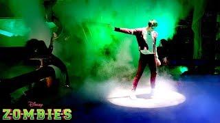 🎉  Trailer 🎬   | Z-O-M-B-I-E-S 😱  | Disney Channel