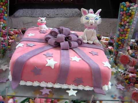 Mesa do bolo da gatinha marie