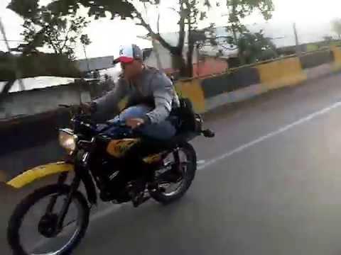MOTO PIRUETA CARRETERA VIEJA CARACAS LA GUAIRA