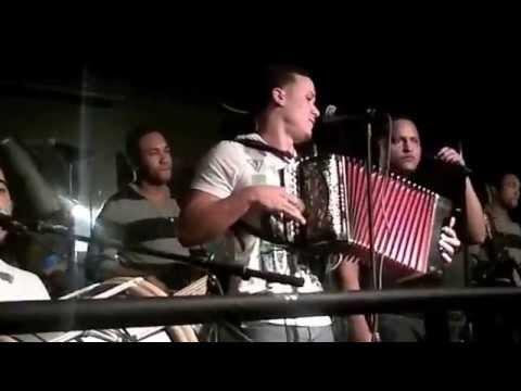 cuarteto con julio swin bebe tambora kelvin bass chichi guira cristhian voz en el sonido junior