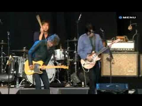 The Raconteurs - Level (T in the Park)