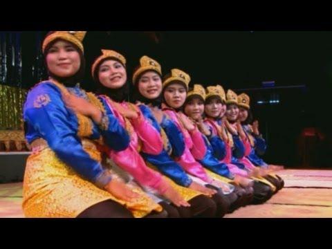 Tari Ratoh Jaroe (Ratoh Jaroe Dance) - Kosentra Group