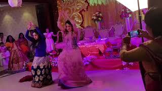 Towsif Mahbub er Gaye Holud a tar cousin der pokkho theke akti dance performance..