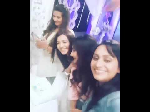 Xxx Mp4 Kasam Girls Celebrate Kratika Dheer Birthday On Kasam Set 😍😍 3gp Sex