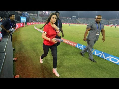 Xxx Mp4 Preity Zinta Abused Sanjay Bangar In Front Of Players And Staff वनइंडिया हिन्दी 3gp Sex