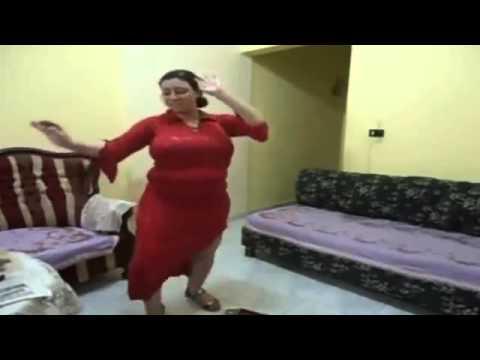 رقص منزلى ممتع بالعبايه الحمراء2016