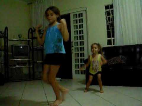 Camila e Maite Dançando