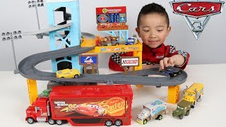 PISTON CUP MOTORIZED GARAGE Disney Cars 3 Toy Unboxing Fun With Ckn Toys
