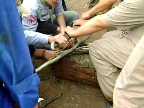 Escoteiros GESC 181 em Acampamento de Sobrevivencia 9 e 10agosto2008 002.avi