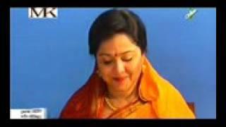 বাসর ঘরে দেখুন মোসারফ করিম বউ কে কি ভাবে আদর করে