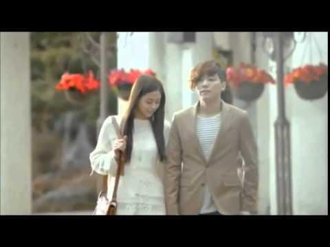 Juan Gabriel ft Laura Pausini - Abrázame muy fuerte (video Historia de amor)