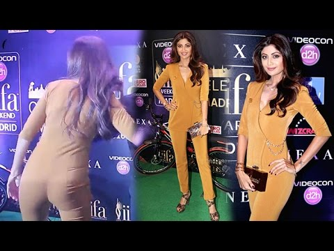 Sexy Shilpa Shetty Shows Hot Curves at IIFA 2016-Weekend Conference
