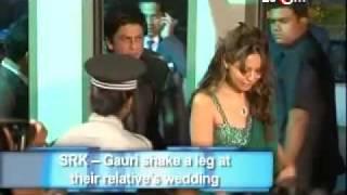 Shahrukh Khan & Gauri dance at their relative's wedding