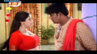 Hot Nagma's dhak dhak song
