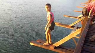 Children diving-Saphan-Mon, Sangklaburi