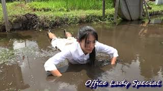 MESSY:Playing with mud in a fallow rice field