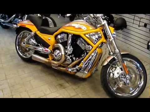 2006 Harley-Davidson CVO screamin eagle, v-rod, vance & Hines, Two into one header, CVO Heaven