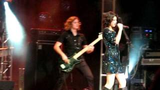 SELENA GOMEZ - Tell me something i don't know - House of Blues Anaheim.