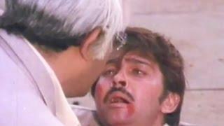 Sanjeev Kumar shoots down Rakesh Roshan - Haathkadi, Action Scene 15/15