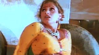 Kabir Bedi, Dimple Kapadia, Mera Shikar - Action Scene 9/16