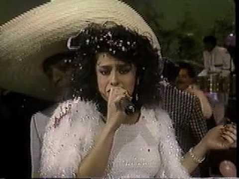 La Sonora Dinamita Vilma Diaz El Viejo del sombreron Tributo a la cumbia Colombiana