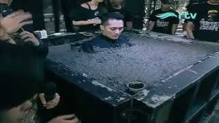 Demian buried alive in concrete for 50 hours | THE PERFECT ESCAPE [ MAY 22nd 2015 ]