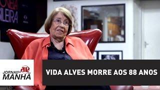 Protagonista dos primeiros beijos hétero e gay na TV, Vida Alves morre aos 88 anos