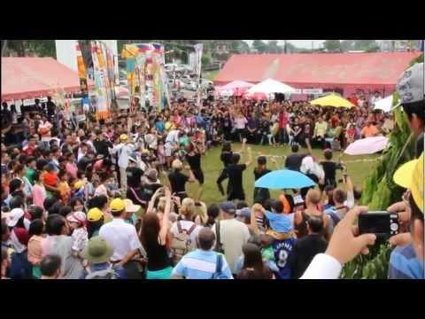 Thailand: Monkey Buffet/Festival in Lopburi am