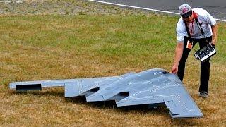 B2 SPIRIT STEALTH BOMBER HUGE RC SCALE MODEL TURBINE JET DEMO FLIGHT / Jetpower Fair 2016