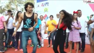 Tiger Shroff Dance Whistle Baja Song At Lokhandwala Street Festivals