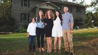 Mother of four learns how to build a house on YouTube